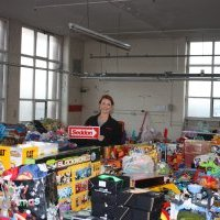 Seddon spreads Christmas cheer with toy appeal